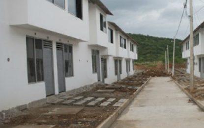 En tiempo récord el Gobierno Santos entregó 300 viviendas a damnificados en Mocoa