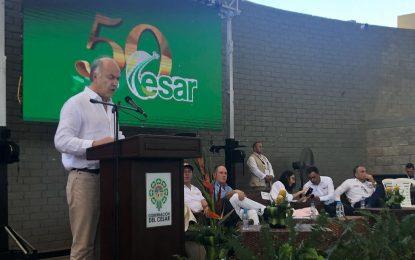 Entregando títulos de propiedad en Valledupar, Ministro de Justicia se despidió del Cesar