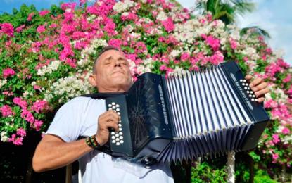 La lucha del rey vallenato Julián Rojas por salir de las drogas