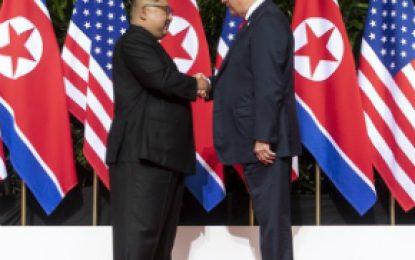 """EE.UU.: Trump recibió """"positiva"""" carta de Kim con propuesta de nuevo encuentro"""