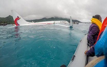 Boeing 737 cae al mar con 47 ocupantes en vuelo entre Japón y Papúa Nueva Guinea