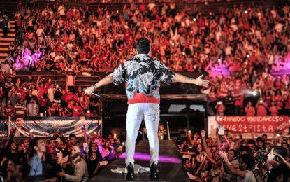 Silvestre hace historia en el arranque de 'Esto Es Vida Tour'