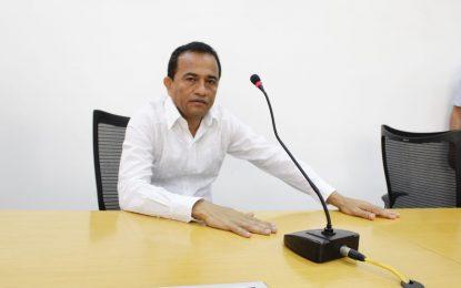 Anunciando debate por banco de maquinaria y crisis del Idrecc tomó posesión el diputado Jairo Gómez
