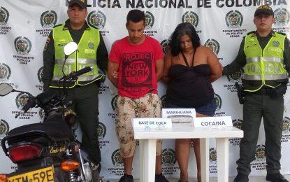 Un hombre y una mujer fueron capturados con más de 2500 dosis de estupefacientes