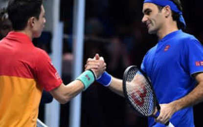 Federer empezó el Masters de Londres con derrota ante Nishikori