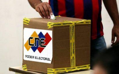 """Régimen de Maduro afirma que el """"chavismo"""" arrasó en elecciones, pero abstención superó el 70%"""