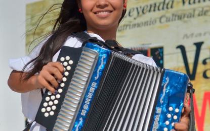 Una mujer abre las inscripciones a los concursos de la versión 52 de Festival Vallenato