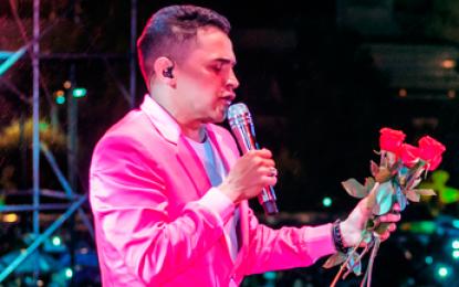 Colombia y Ecuador, gozaron su carnaval con el son de Jorge Celedón