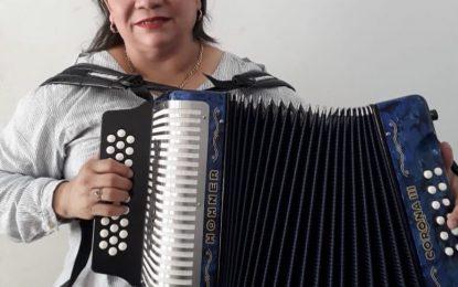 Roban el acordeón a Maribel Cortina en un barrio de  Valledupar