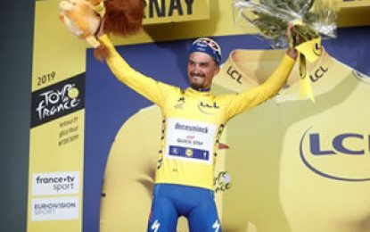 Tour de Francia: Alaphilippe logra el triunfo en Épernay y se viste de amarillo