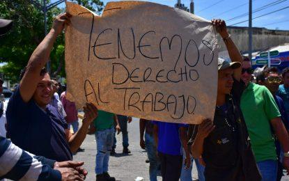 Trabajadores del boliche protestaron por desalojo