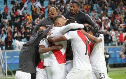 Como héroes rebieron los peruanos a integrantes de la Selección, subcampeona de Copa América