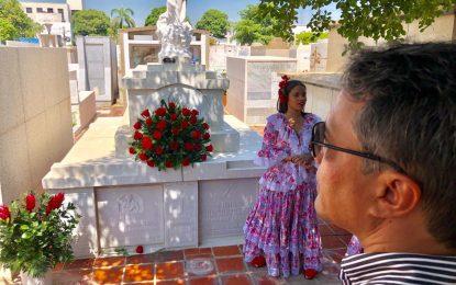 Ofrenda floral en natalicio de Consuelo Araujo Noguera