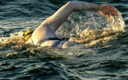 Sarah Thomas: La mujer que cruzó nadando cuatro veces consecutivas el canal de La Mancha