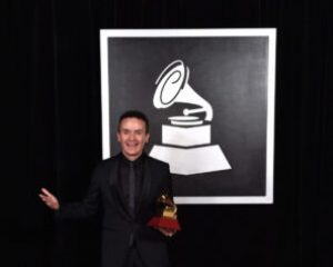 'Agustin', el álbum que le dio el Latin Grammy a Fonseca