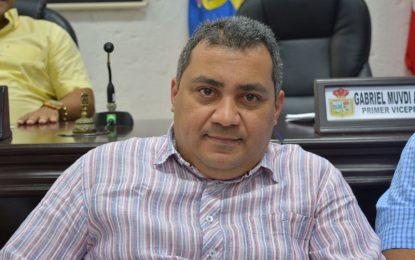 Procuraduría notificó revocatoriade inhabilidad a Omar Contreras