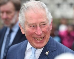 El príncipe Carlos terminó su cuarentena y se encuentra bien de salud