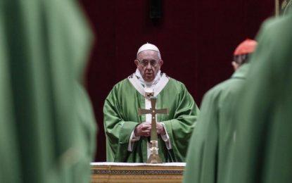 Vaticano exige a parroquias no cobrar por eucaristías y otros ritos