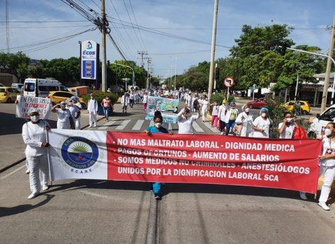 Marcharon trabajadores de la salud  en Valledupar por deudas pendientes