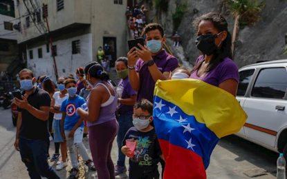 "Maduro califica de ""mentira"" acuerdo con oposición para enfrentar pandemia en Venezuela"