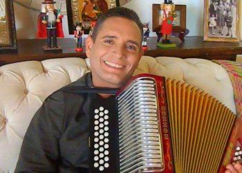 """""""Mi llanto es en el alma"""": acordeonero Julián Rojas y su lucha contra las drogas"""