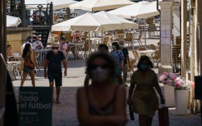 Gobierno español lanza dura amenaza a Madrid por descontrol de la pandemia