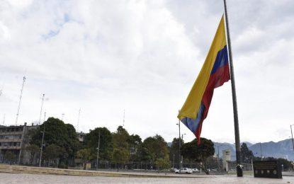 Tres días de duelo en Colombia por víctimas del Covid-19 y el Ministro Trujillo