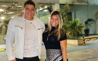 ¿Priorizados?: el cantante Rafa Pérez y su esposa se vacunaron contra el Covid-19 en Malambo