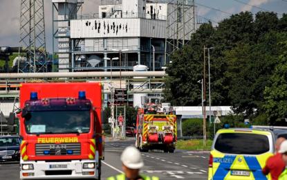Suben a dos los muertos en explosión en parque químico de Leverkusen