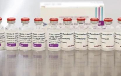 Segunda dosis de vacuna AstraZeneca no aumenta riesgo de trombos raros: Estudio