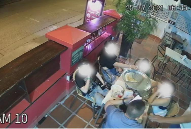 Se les dañó la 'vuelta' a los bandidos que atracaron a policía en restaurante - Noticias de Colombia