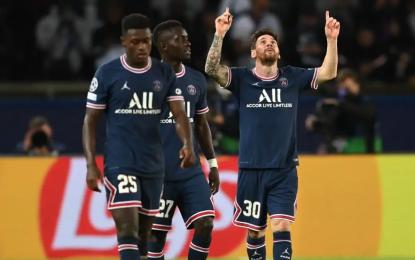 Messi marca en Champions League su primer gol con el PSG