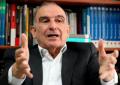 """De la Calle calificó de """"desafortunada"""" propuesta de Petro sobre tierras de Uribe"""