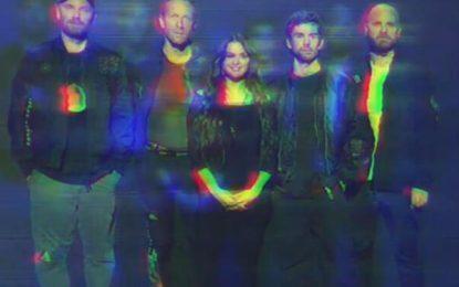 Selena Gómez y Coldplay lanzan su nueva canción 'Let Somebody Go'